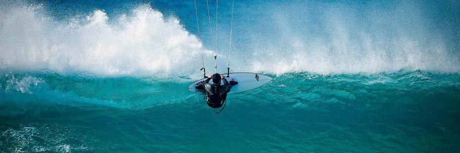 Un champion de kite surf à Frontignan Plage
