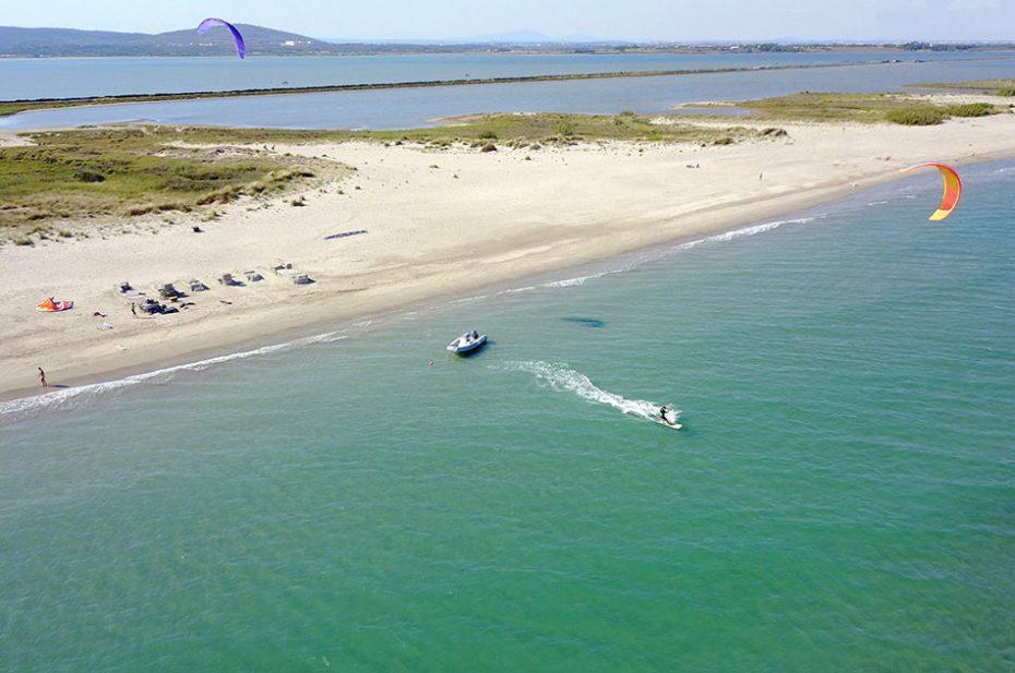 Kitesurf sur la plage des Aresquiers à Frontignan Plage