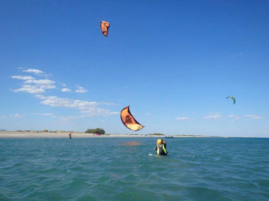 Kitesurf sur banc de sable à Frontignan Plage